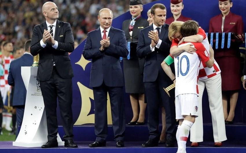 Xorvatiya prezidenti dünya çempionatının finalında Luka Modriçdən daha populyar olub