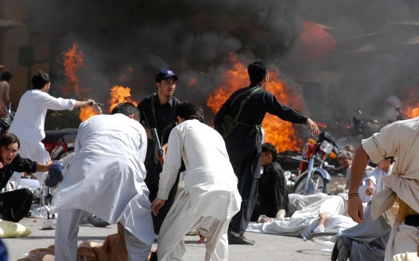 Pakistanda avtobus partladılıb, 15 dövlət qulluqçusu həyatını itirib