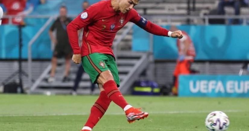 Роналду сравнялся с рекордом футболиста азербайджанского происхождения