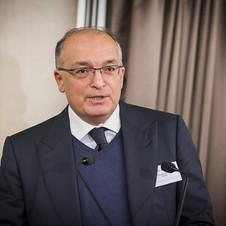 Эльшад Насиров
