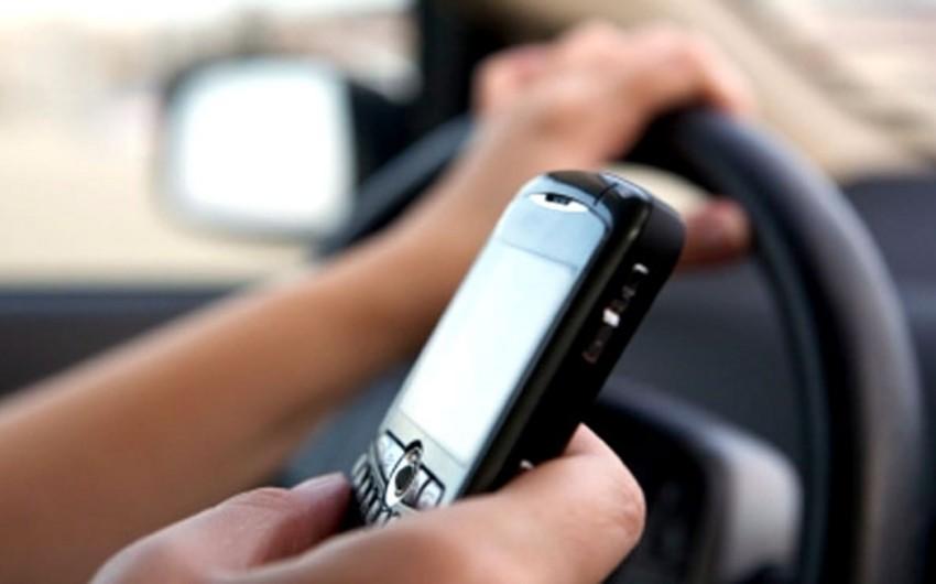 Həkim: Avtobus sürücülərinin telefonla danışması sərnişinləri nevroz edir