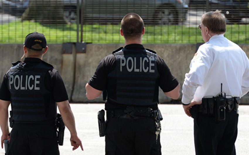 ABŞ-da azyaşlı tapancadan atəş açaraq iki nəfəri yaralayıb