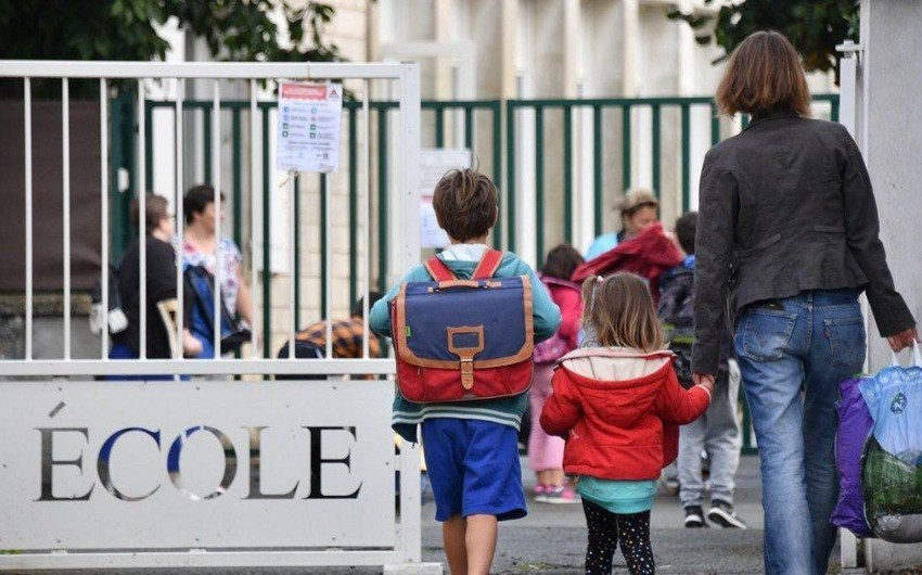 Fransada uşaqlar məktəbə üç yaşından gedəcək