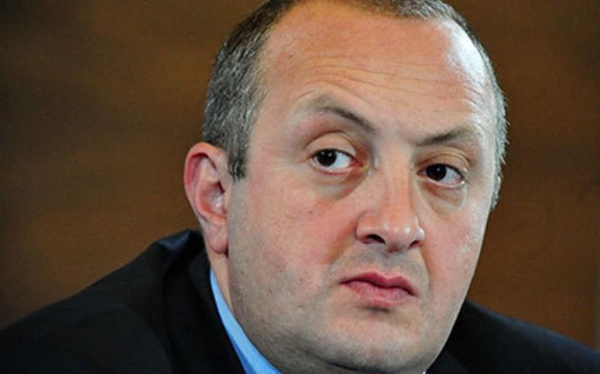 Gürcüstan prezidenti Vladimir Putinlə danışıqlar masasına əyləşməyə hazırdır