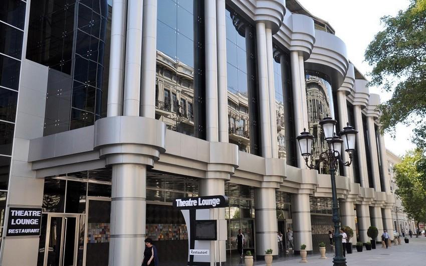 Gənc Tamaşaçılar Teatrının tavanı çöküb