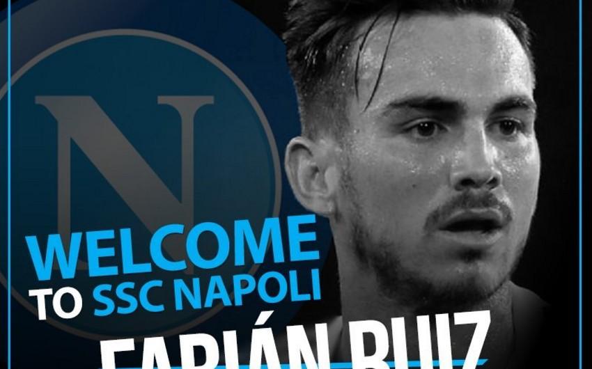 Napoli klubu ispaniyalı futbolçu transfer edib