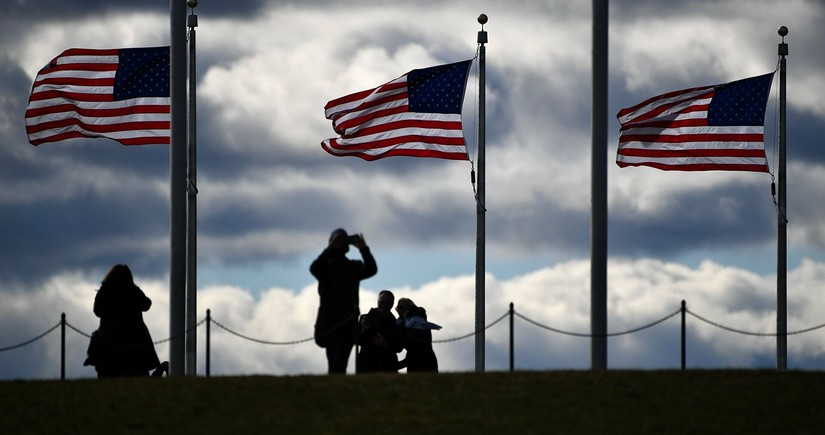 США приостановят депортацию на 100 дней