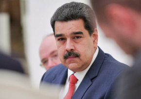 Maduro urges compatriots to add his number to chats