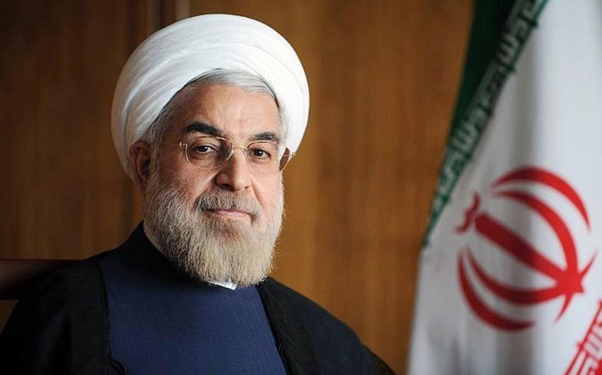 Həsən Ruhani: ABŞ Suriyanın təbii sərvətlərini talayır