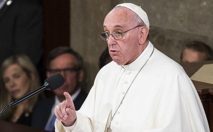 Rome Pope: Paris attack is 'Third World War'