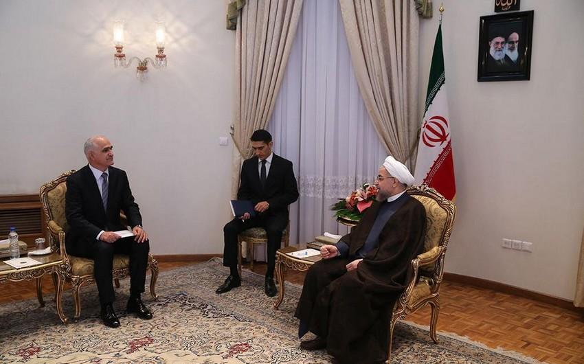 Azərbaycanın iqtisadiyyat və sənaye naziri İran prezidenti ilə görüşüb