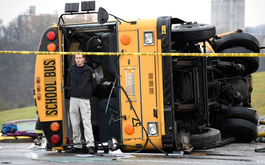 Более 40 детей пострадали при столкновении трех школьных автобусов в США