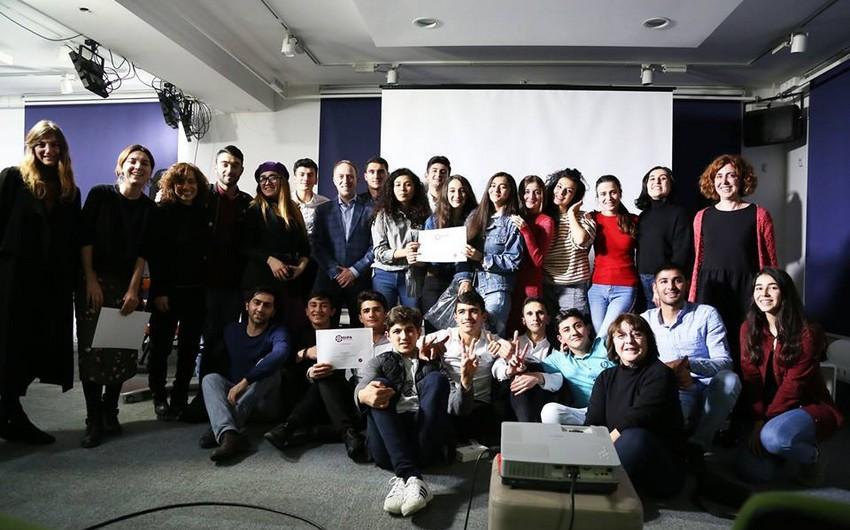 Azərbaycanlı şagirdlər Tbilisidə keçirilən film festivalında qalib olublar