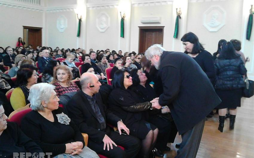 В Баку проходит церемония прощания с известным композитором - ФОТО