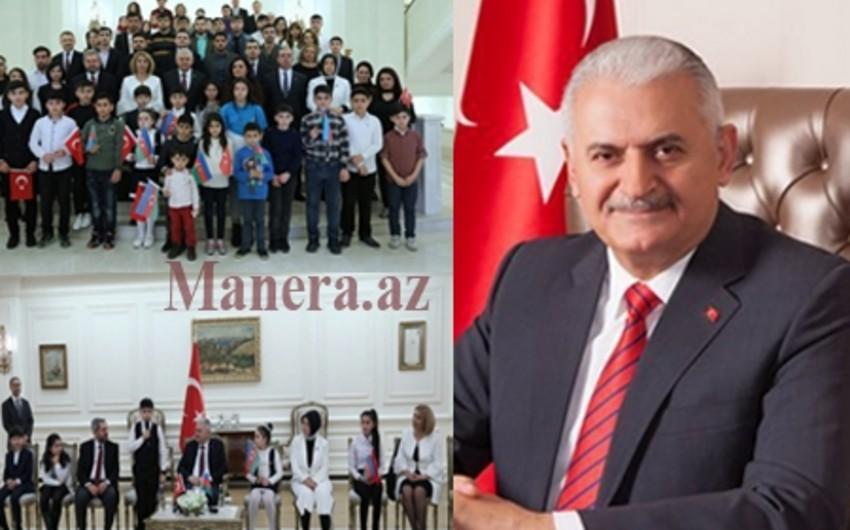 Binəli Yıldırım azərbaycanlı şəhid uşaqları ilə görüşüb
