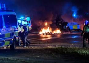 """İsveçdə """"Qurani-Kərim""""in yandırılmasına etiraz olaraq aksiyalar keçirildi"""