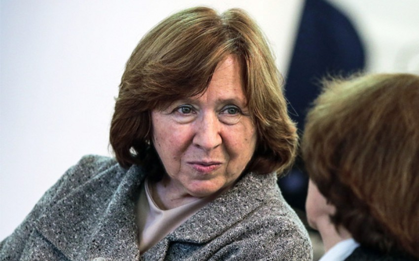 Ədəbiyyat üzrə Nobel mükafatı Belarus yazıçısına verilib