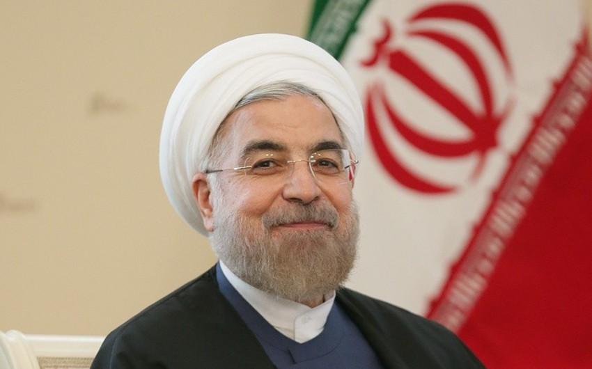 Ruhani: İran bölgədə gərginliyi artırmayacaq, amma neft ixrac etmək hüququnu qoruyur