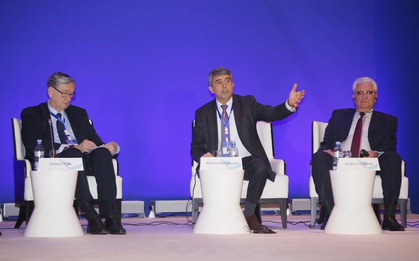 Экс-президент Болгарии: Сегодня мир сталкивается с опасными вызовами