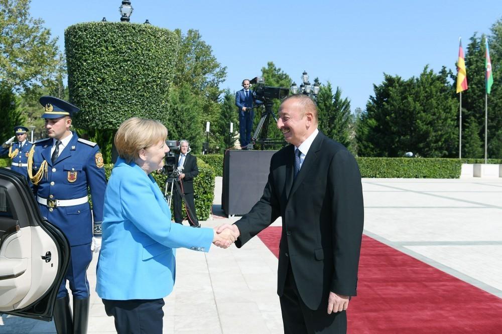 Состоялась церемония официальной встречи Ангелы Меркель