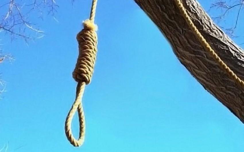 """Gürcüstanda """"Mavi balina"""" oynayan yeniyetmə intihar edib"""