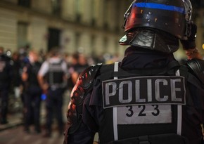 Paris chaos: 83 arrested as PSG fans clash with police
