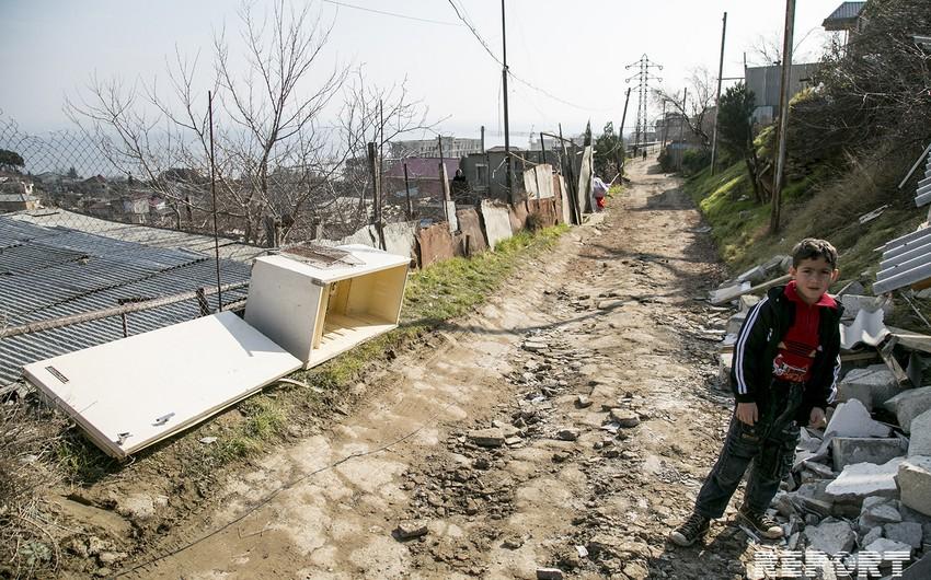 İcra Hakimiyyəti: Bayıl sürüşmə zonasının sakinləri siyahıya alınıb