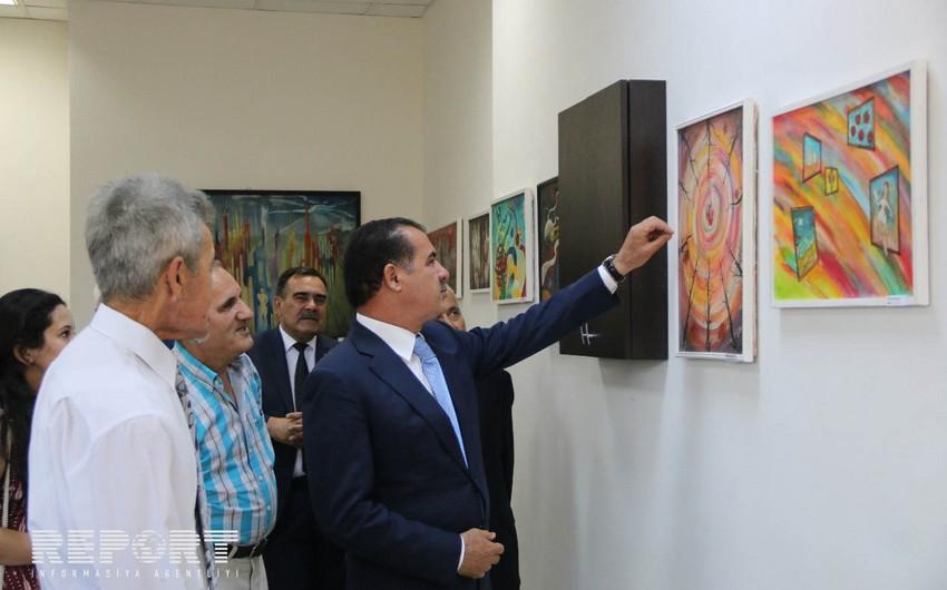 Türkiyənin Gəncədəki Baş Konsulluğunda tanınmış azərbaycanlı rəssamın fərdi sərgisi keçirilir - FOTO