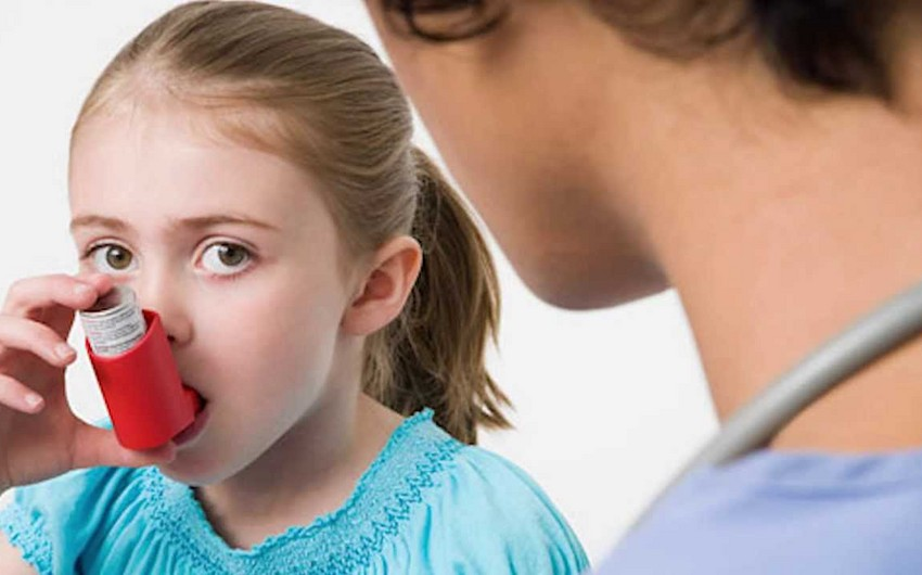 Alimlər: Astma xəstəliyinə görə dərman içən uşaqlar qısaboylu olur