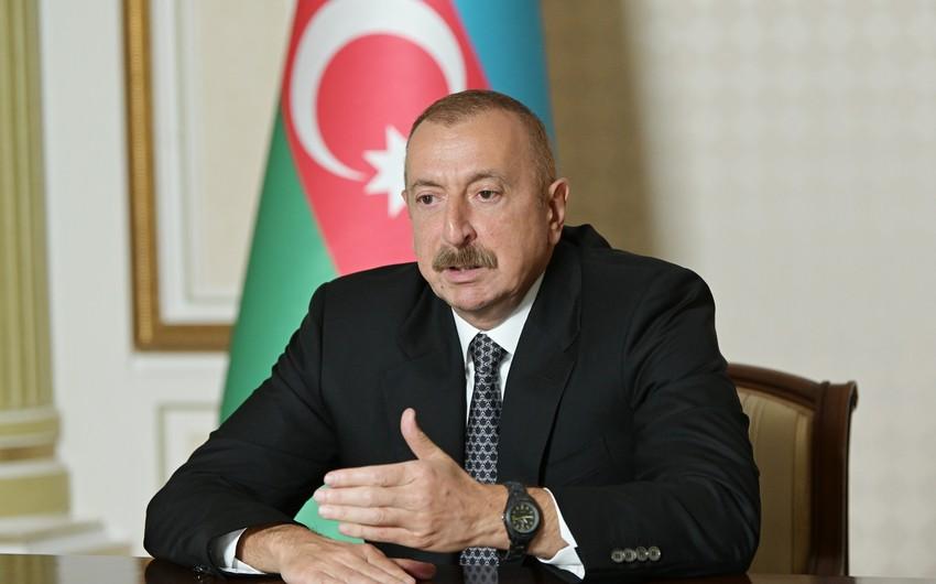 """İlham Əliyev: """"Bu gün də onlara qaçaq yolla silah, texnika göndərilir"""""""