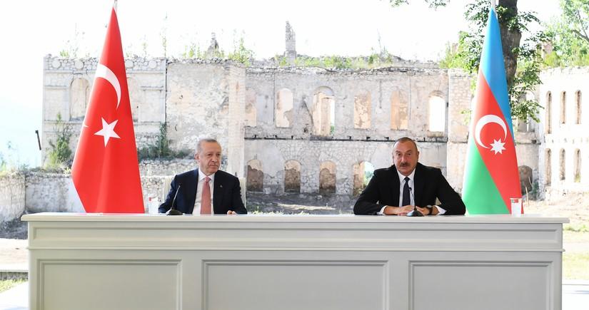 Prezidentlər mətbuata birgə bəyanatla çıxış edirlər - YENİLƏNİB-2