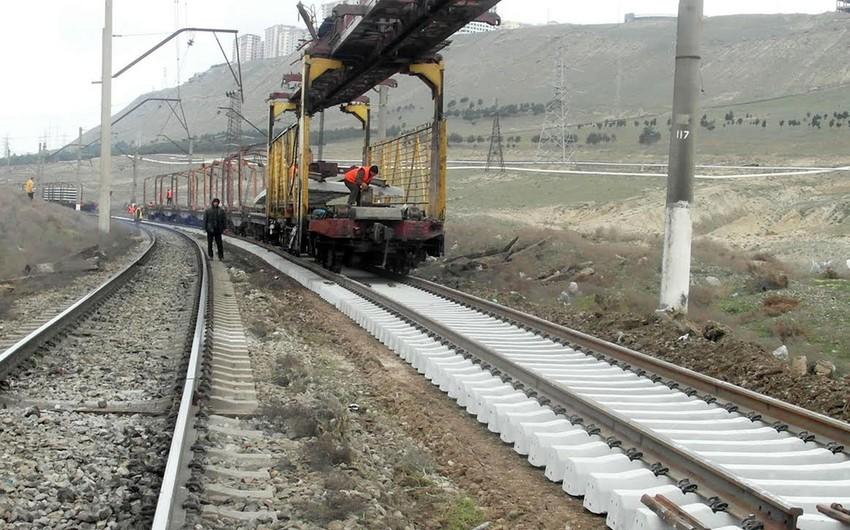 Проводятся ремонтные работы на железнодорожных путях Баку-Хырдалан-Сумгайыт