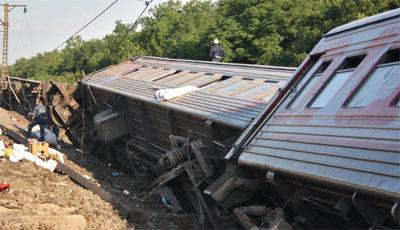 В Баку опрокинулся пассажирский поезд