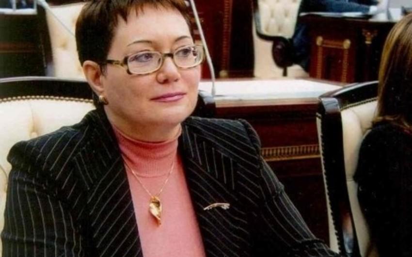 Deputat Elmira Axundovanın oğlunun adı keçən 1 milyonluq dələduzluq işi məhkəmə baxışına verilib