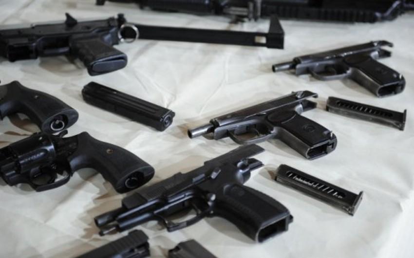 В Смоленске парикмахер-азербайджанец торговал оружием прямо в салоне красоты
