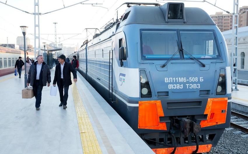 Bakı-Horadiz qatarının hərəkət qrafiki müvəqqəti dəyişir