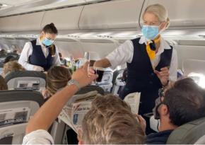 Специалисты оценили вероятность заразиться коронавирусом в самолете