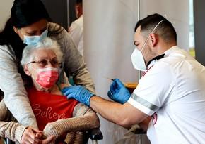 В Израиле лица старше 60 лет смогут получить третью дозу вакцины Pfizer