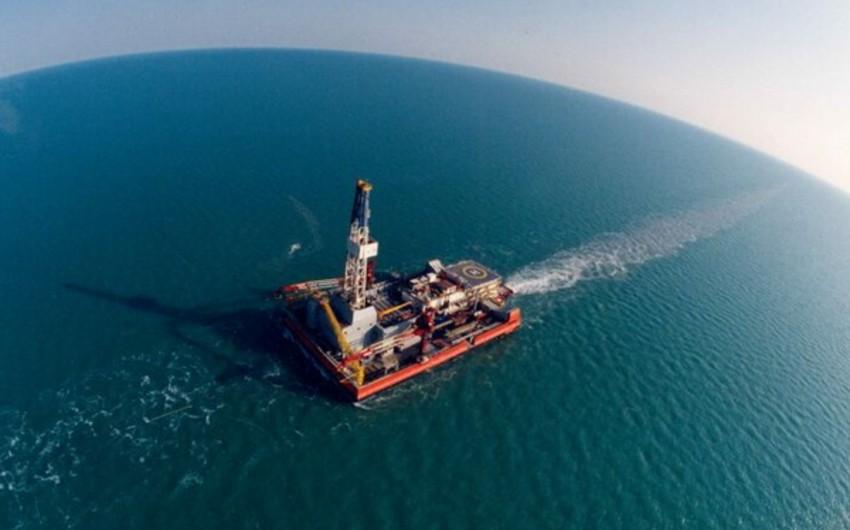 Brent markalı neftin qiyməti 54 dolları ötüb