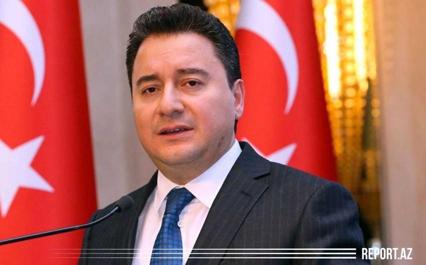 Əli Babacan partiyasını elan etdi, sədr seçildi