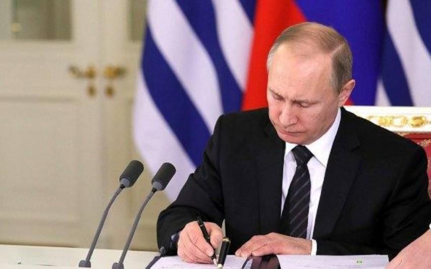 Vladimir Putin 9 azərbaycanlıya Rusiya vətəndaşlığı verib