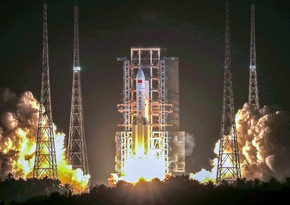 Китай запустил ракету-носитель для доставки на Землю грунта с Луны