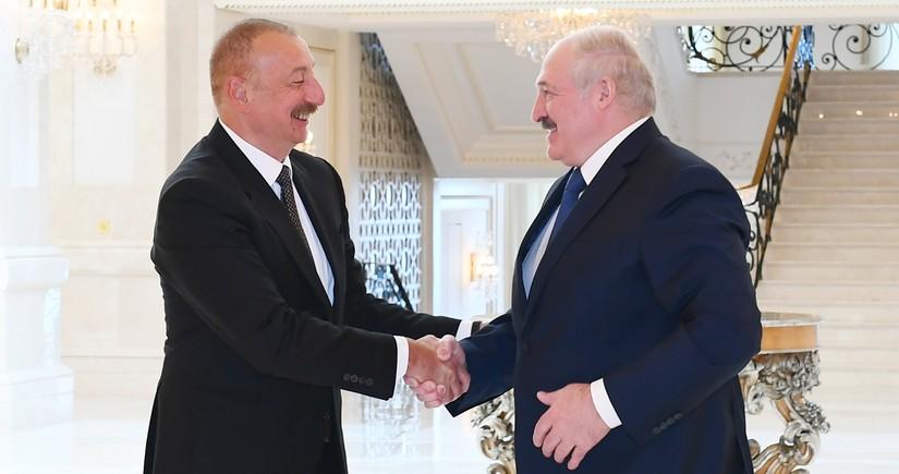 Lukaşenko: Bizim münasibətlərimiz əladır və mən buna görə həmişə fəxr edirəm