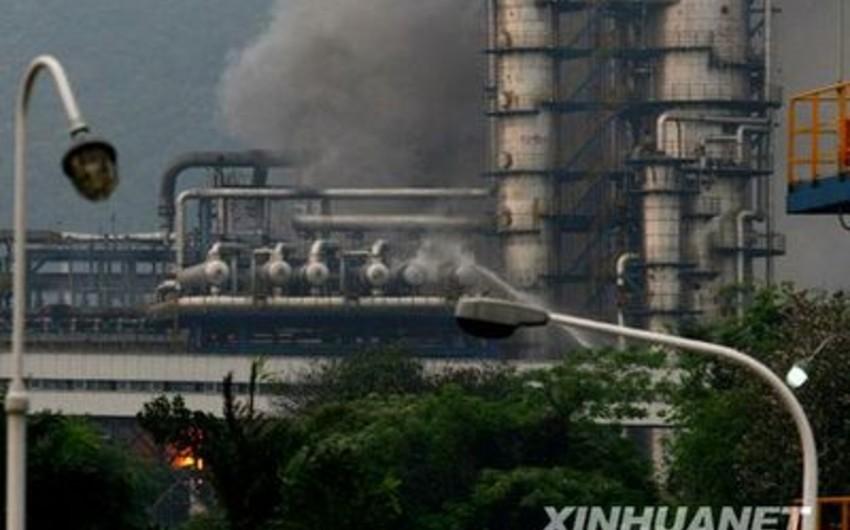 Çində Sinopec şirkətinin neft emalı zavodunda yanğın baş verib