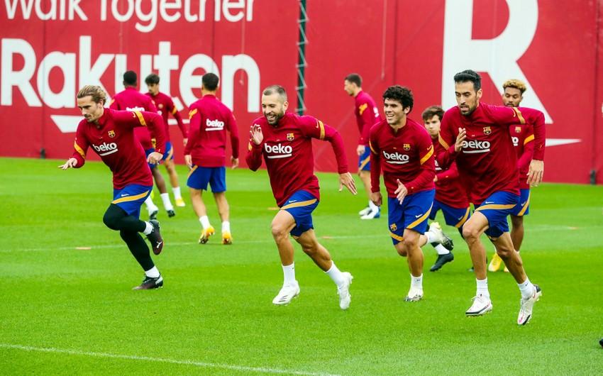 Barselonanın 8 futbolçusu Sevilya ilə matçı buraxacaq