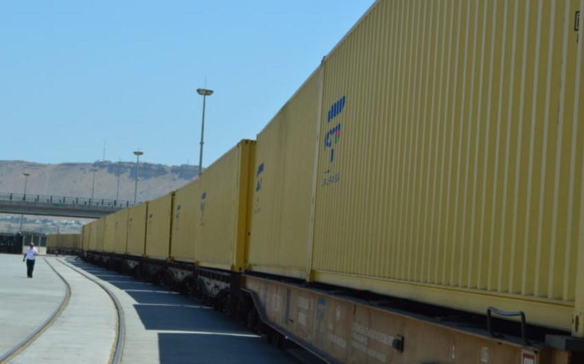 ADY ilk dəfə olaraq karbamidin 40 futluq konteynerlərlə daşınmasına başlayıb