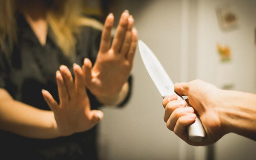 Bakıda 31 yaşlı qadını yoldaşı bıçaqlayıb