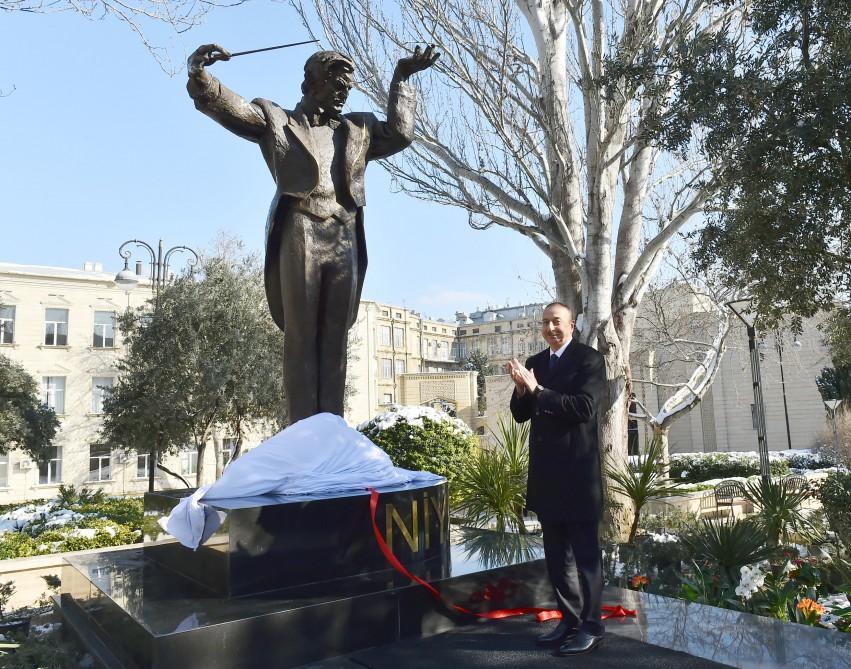 President Ilham Aliyev attends inauguration of maestro Niyazi's monument in Baku