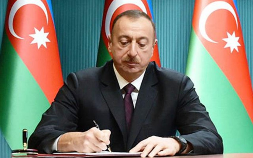 Президент Ильхам Алиев наградил Алима Гасымова орденом Шараф