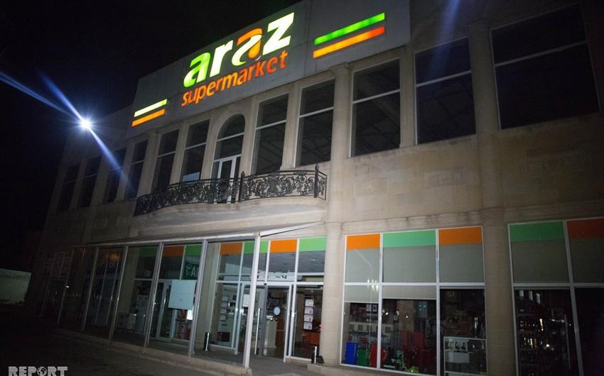 """""""Araz"""" marketin satıcısı iş yoldaşlarını bıçaqlayıb, onlardan biri ölüb - FOTO - VİDEO - YENİLƏNİB-2"""